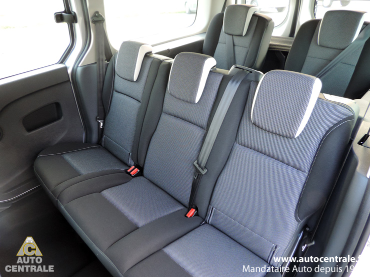 livraison du renault kangoo grand kangoo energy dci 110 neuf de monsieur nicolas s dans le 74. Black Bedroom Furniture Sets. Home Design Ideas