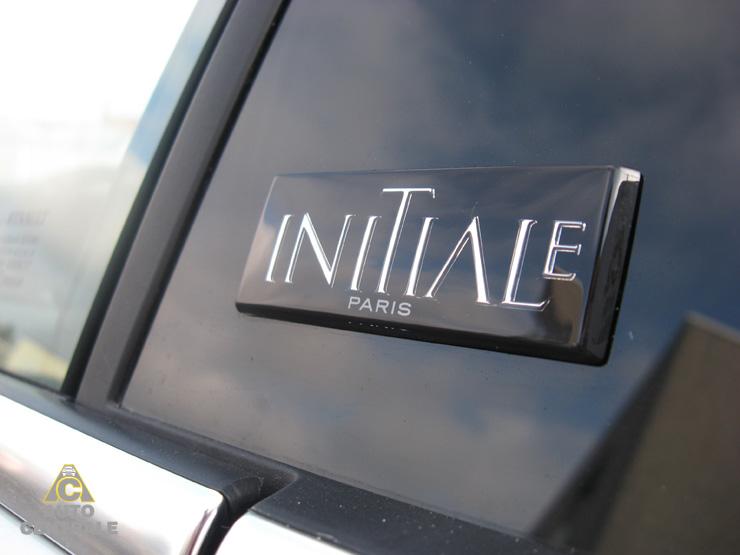 Livraison de la Renault Laguna Coupé 2012 Initiale V6 dCi